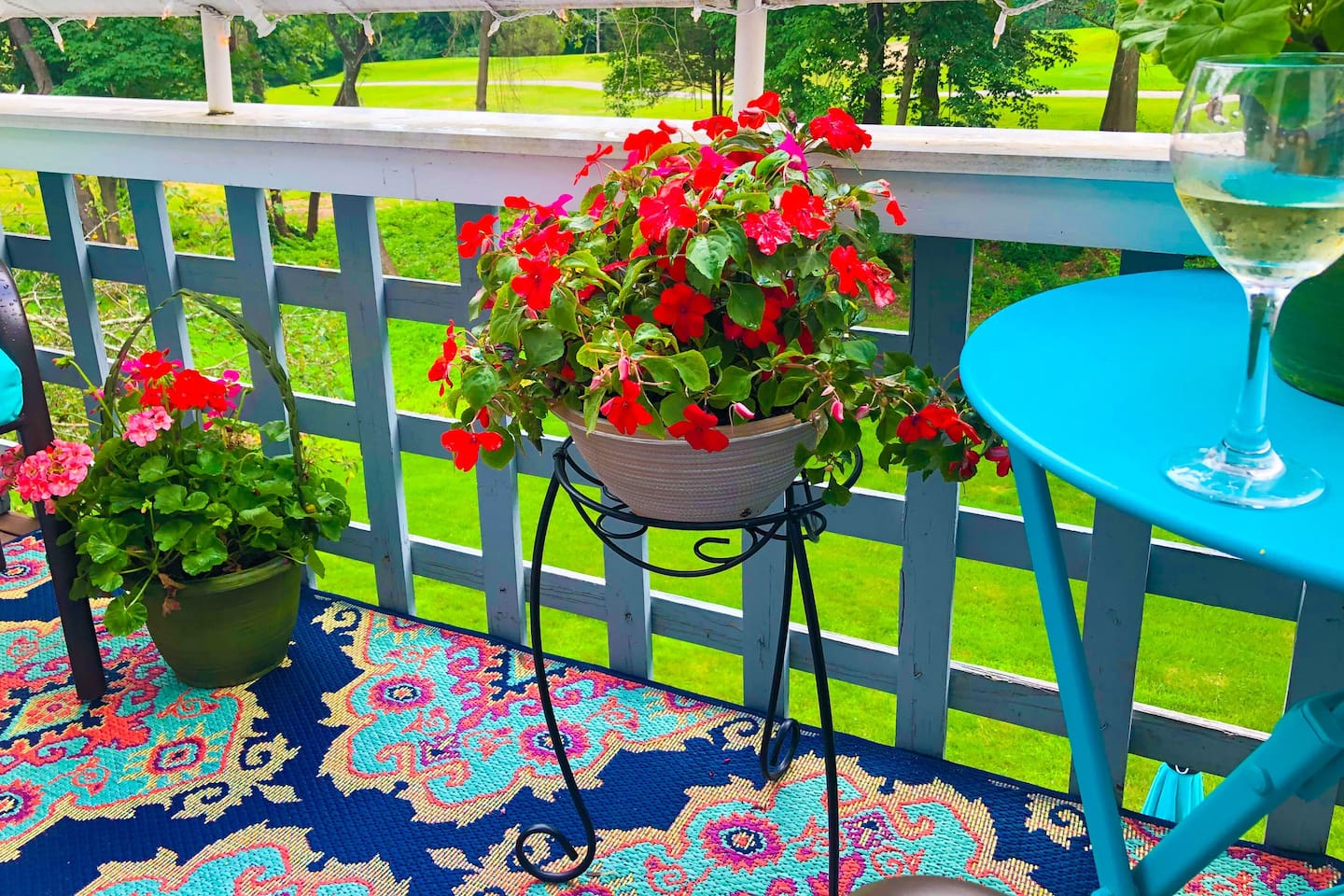 Balcony oasis ... what a great place to relax after a day at the spa, sightseeing, or before heading to the Mohegan Sun for dinner and a concert!