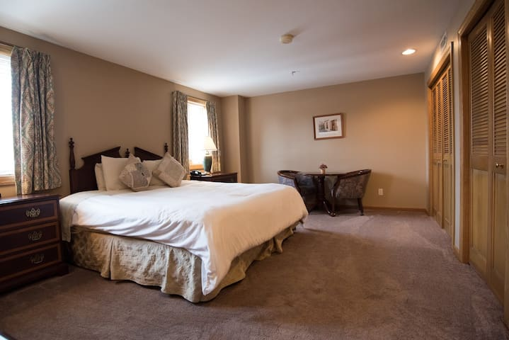 Private Suite in Glenmoor Country Club - Canton - Hotel butique