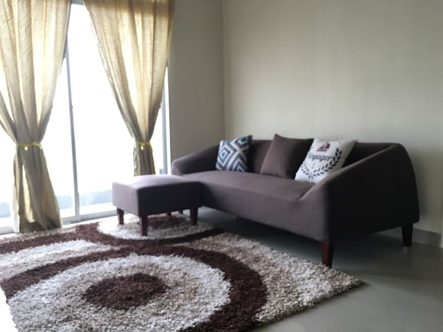 Awesome Budget & Clean 3R 2B Condo
