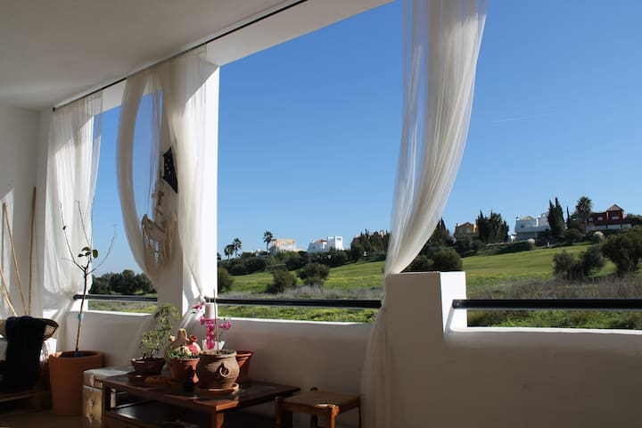 Sanlúcar golf apartment (terraza y piscina)