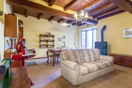 Nice and large apartment - Todi