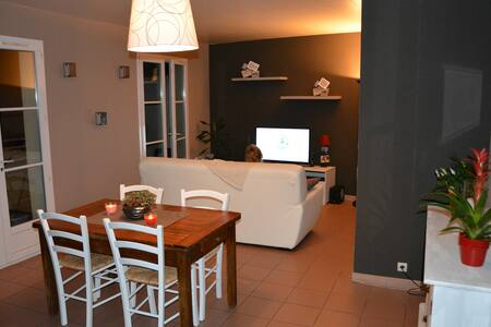 Appartement spacieux, bien situé - Neuville-sous-Montreuil