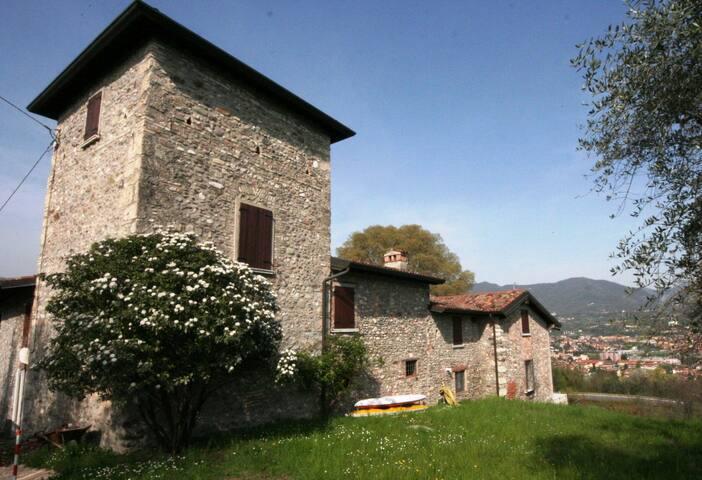 Steinhaus mit Seeblick  - Salò - House
