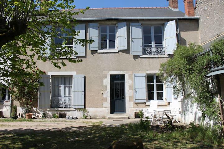 Maison de caractère Châteaux Loire - Vineuil - Dom