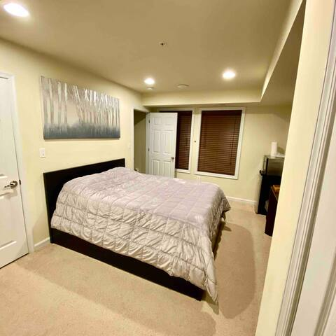 Private Bedroom and Private Bathroom in Anacostia