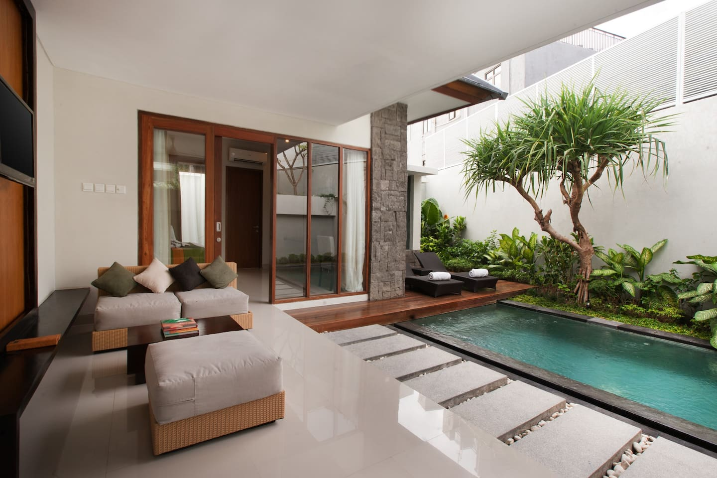 Private living and pool area