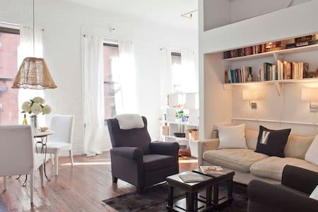 Soho Studio Loft!  READ OUR REVIEWS! - New York - Loft