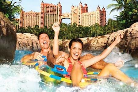 Piece of Paradise awaits  you at Atlantis Bahamas - ナッソー