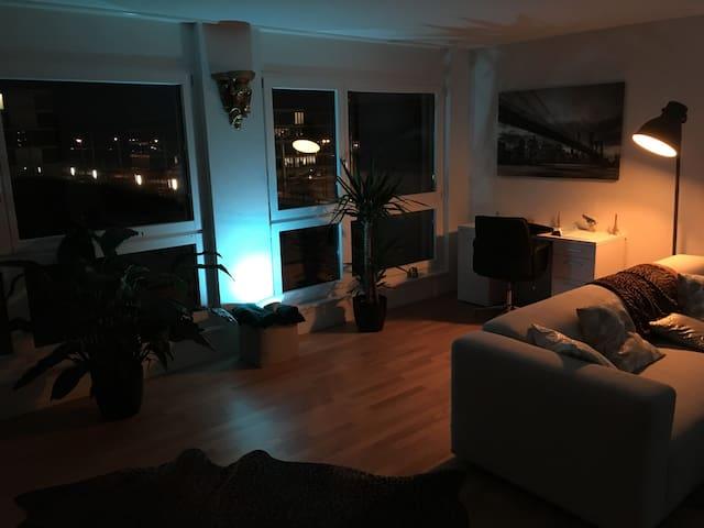 Super Bett in wunderschöner Wohnung in Toplage