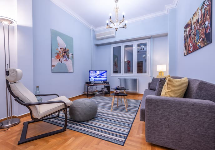 "Shiny apartment - for4- 5""min from historic center"
