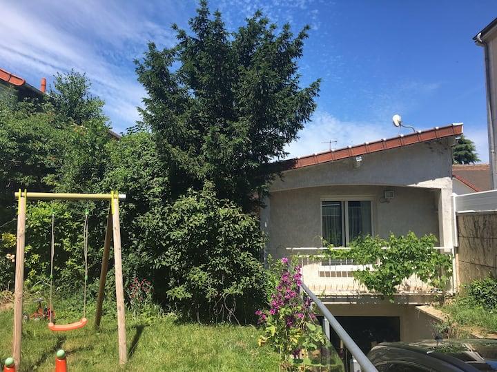 Appartement indépendant vue jardin près Orly-Paris