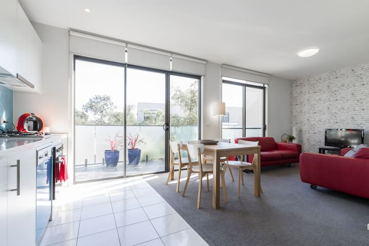 2BD townhouse Monash uni/hospital & Chadstone S.C. - Oakleigh East - Apartment