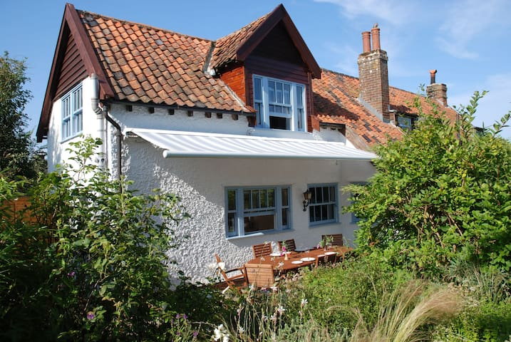 Romantic retreat, magical garden - Blythburgh - Daire