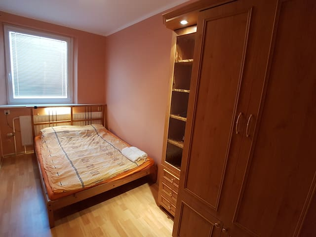 Double bed room and livingroom, very nice location