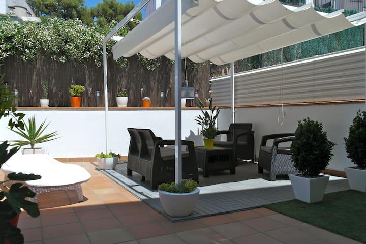 Cosy flat + 50sqm terrace +parking