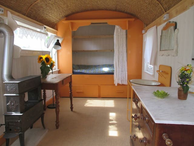 Cozy Mobile Home with Alcove-bed