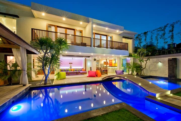 ⭐⭐⭐ Party Villa ⭐⭐⭐ True Colors 6BR max. 26 sleeps