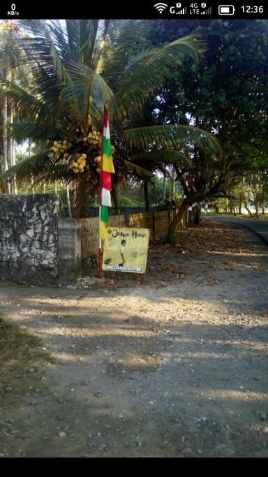 Direction to d'Jarwo House@Batukaras