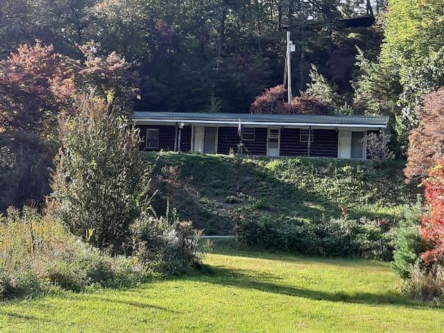 Serenity Suite 2 at Mirror Lake, Franklin NC