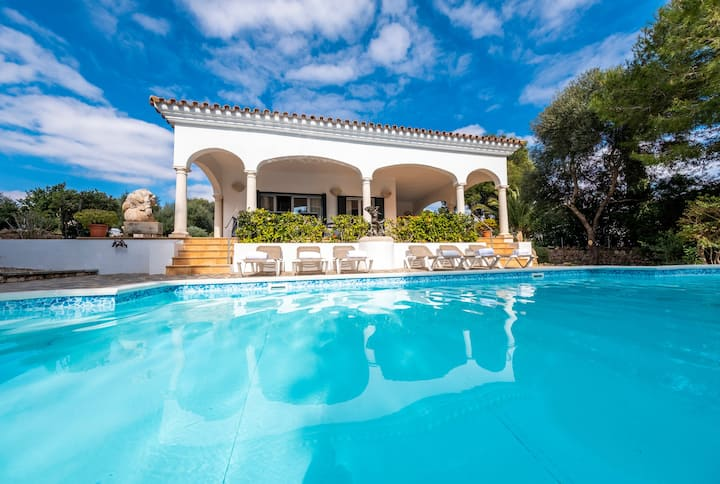 Luxury villa in Menorca☀Pool with Jacuzzi☀Free WiFi☀AC