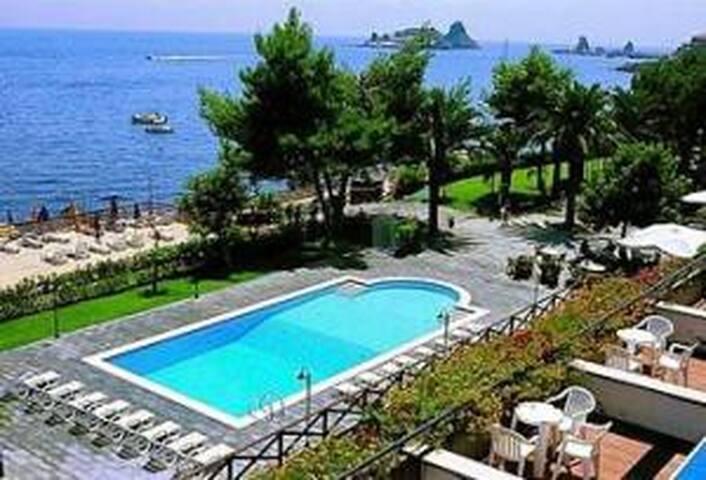 FURNISHED STUDIO SEA FARAGLI VIEW   - Aci Castello - Apartment