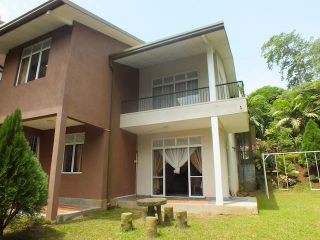 Luxury Bungalow for rent in Kandy - Kandy - Haus