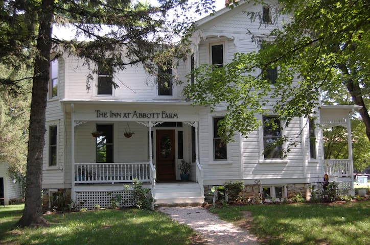 The Inn at Abbott Farm.  - Mathias - Bed & Breakfast