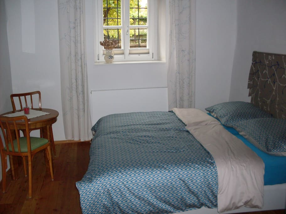 Double room with 2 1-persoon beds