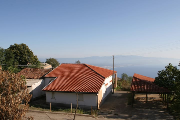 House with vulcano and seaview