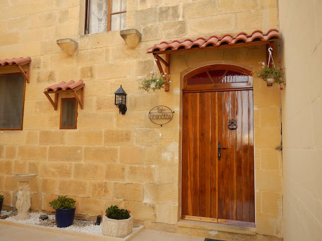 TAL FRANCIZA B&B with private pool - Nadur - Talo