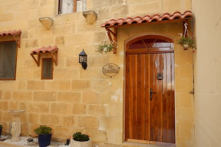 TAL FRANCIZA B&B with private pool - Nadur