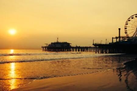 OceanView.WalkBeach/Pier/Promenade - ซานตา โมนิก้า