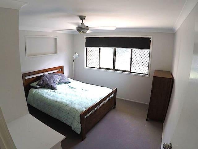 Noosa Retreat - Private Room - Noosaville - Rumah