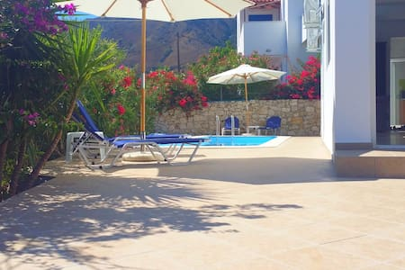 Private room in Villa - Pool - Private Balcony - Kournas
