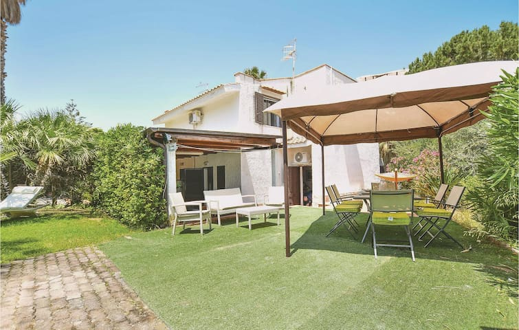 Semi-Detached with 2 bedrooms on 90m² in Cefalù