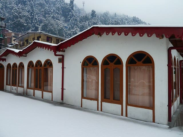 Pristine Private Rooms opposite Ropeway, Nainital