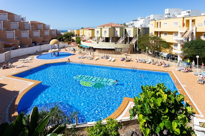 Home2Book Apart Orlando Costa Adeje, Pool & Beach