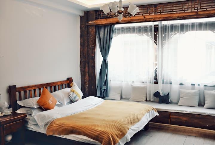 丽江古城黄先生家,[每日消毒][地暖房]优质阳光房,独立卫浴。房东厨艺超赞!