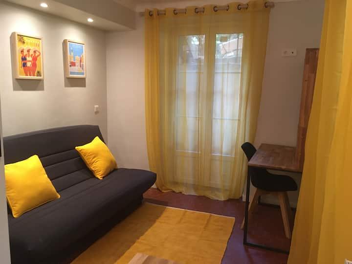 Studio cozy dans un joli inmueble niçois.