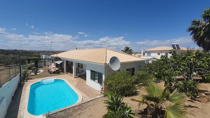chambre d hote privée dans villa avec piscine