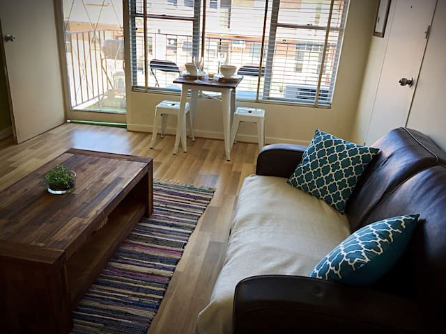 Short Walk to Beach + Close to Glenelg & Airport! - Somerton Park - Appartement