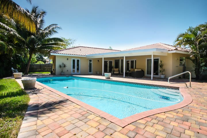 Perfect vacation home with pool and walk to beach