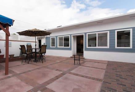 Standalone cozy Guesthouse w/ WiFi & Amazon Echo - Long Beach - Ev