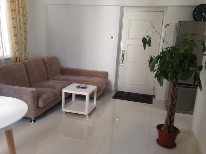 Ideally localised - Quiet and Bright Studio