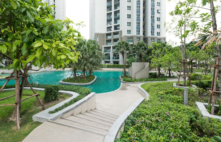 Superior Resort-like Condo in BKK中文服务
