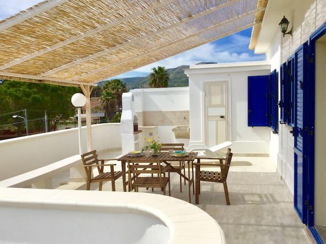 Terrazzo delle Sirene, spiaggia Gallina,Villa Ione - Gallina - อพาร์ทเมนท์