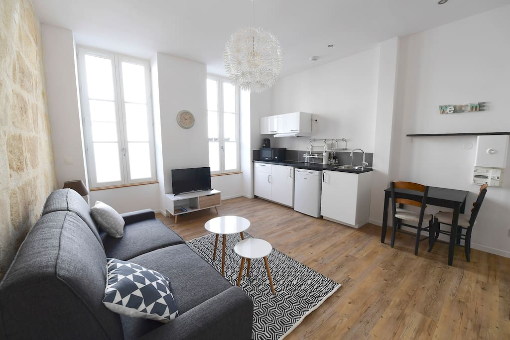 Studio cosy parking optional appartements louer for Studio bordeaux a louer
