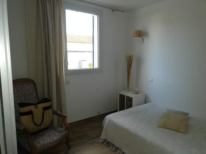 Chambre cosy, douche italienne privée