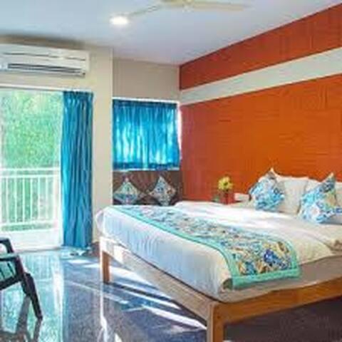 Hari Om Gokarna With Deluxe Triple Room