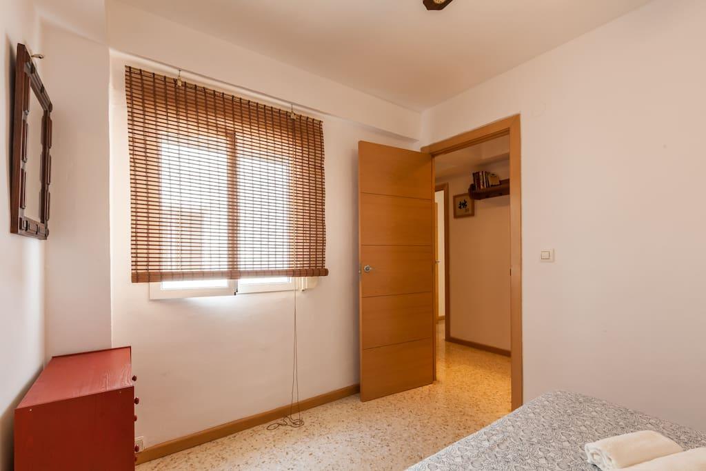 Vista habitación principal.